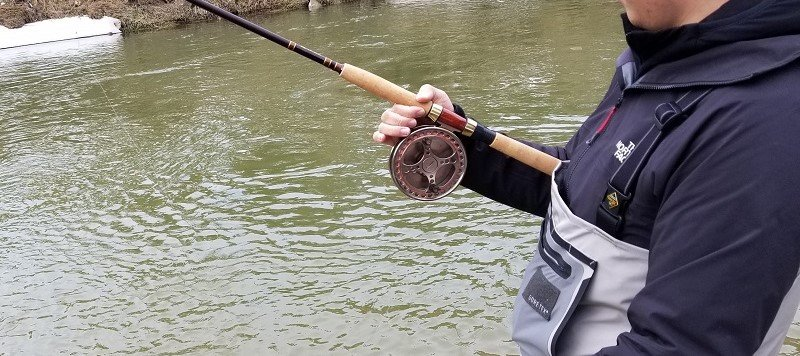 This is how to hold a Centerpin reel